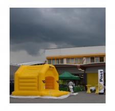 Hüpfburg mit Dach - Post AG