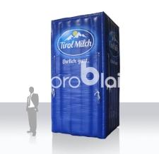 aufblasbare riesige Milchpackung als Eyecatcher - Tirol Milch