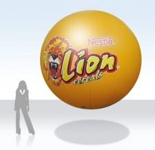 Fliegender Werbe-Ballon - Lion Riegel
