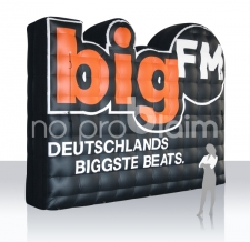 Aufblasbare Sonderform - Big FM